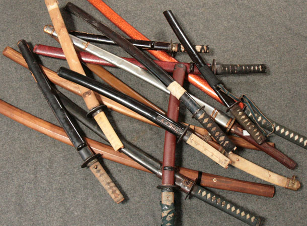 buying-antique-swords